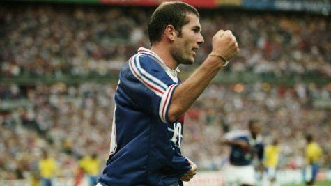 """Zinedine Zidane: Từ """"ổ chuột"""" La Castellane đến huyền thoại nước Pháp"""