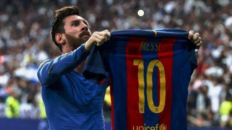 """Lionel Messi: Huyền thoại ra đời từ """"tờ giấy ăn"""""""