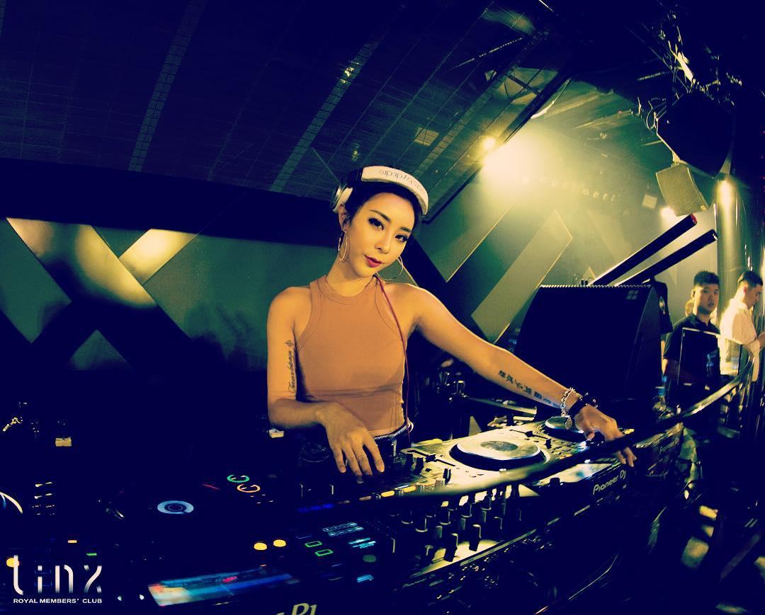 nữ dj xinh đẹp - alyshia chơi nhạc