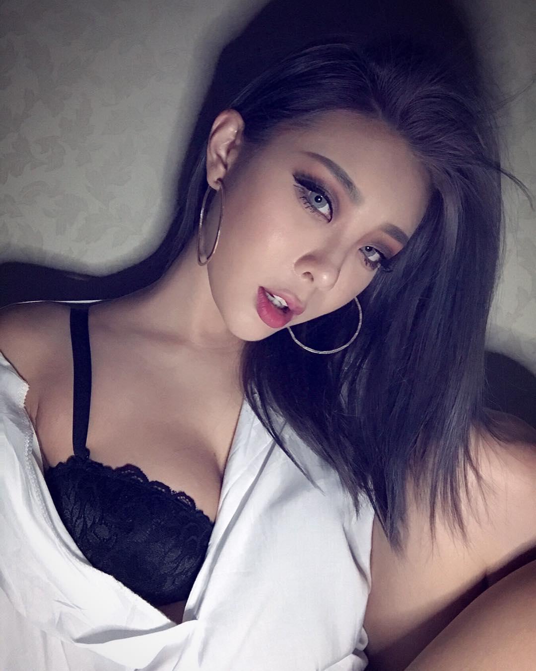 nữ dj xinh đẹp - alyshia tạo dáng gợi cảm