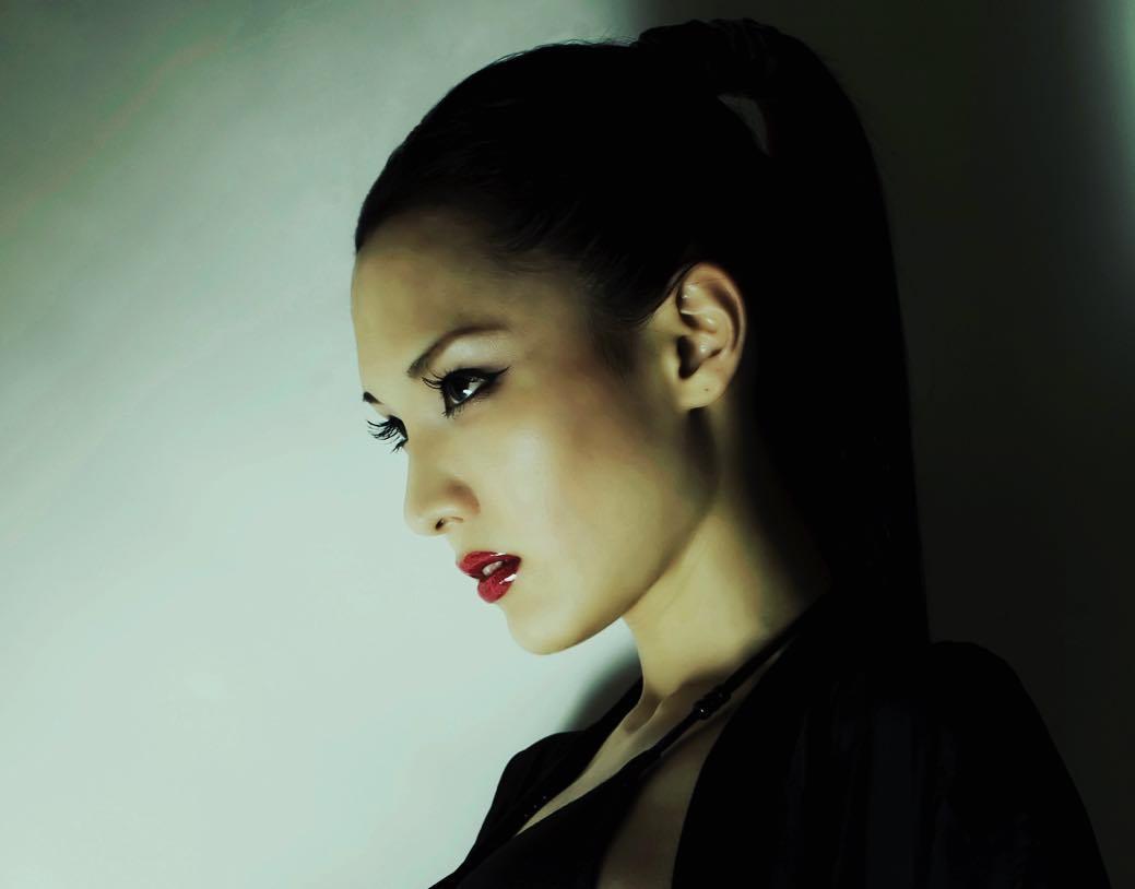 nữ dj xinh đẹp - hiloco chụp góc nghiêng đẹp