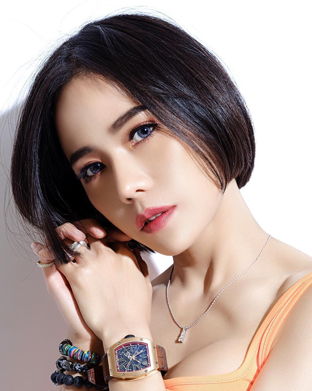 nữ dj xinh đẹp - roxy june chụp chân dung