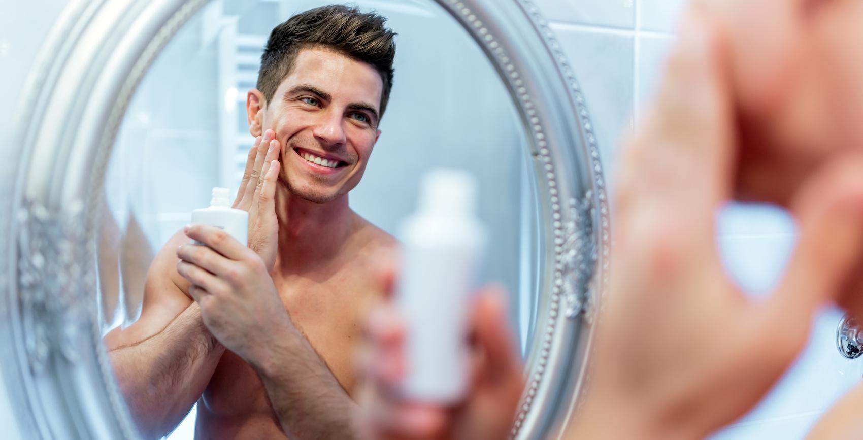 sử dụng kem dưỡng để chăm sóc làn da