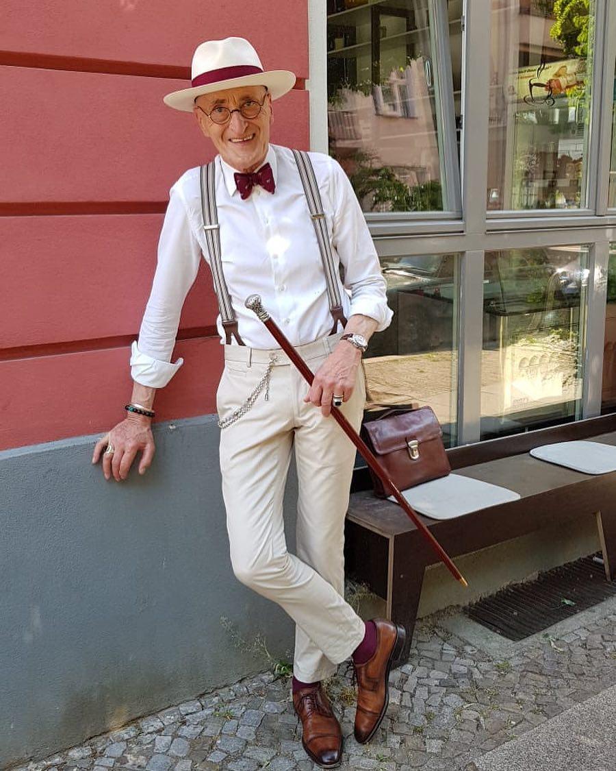 phong cách thời trang - cụ ông mang đai quần chữ y