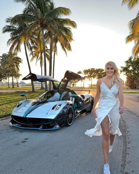 siêu xe hơi-supercar blondie và chiếc xe Pagani Huayra L'Ultimo