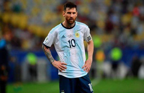 cầu thủ bóng đá Lionel Messi trong màu áo tuyển quốc gia Argentina