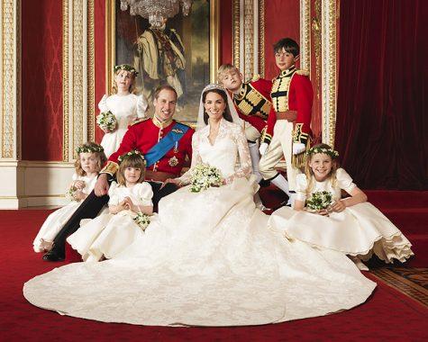 hoàng tử William bên cạnh vợ, công nương Kate Middleton