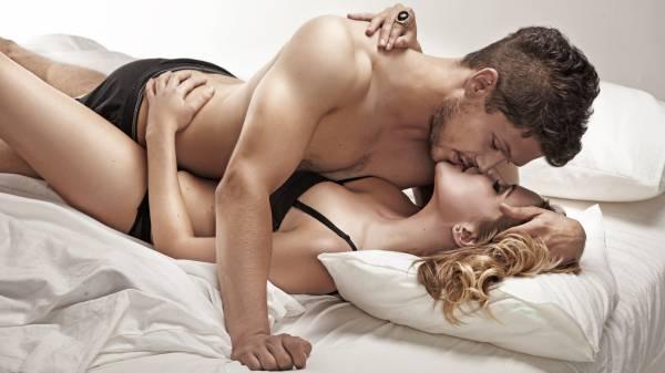 chuyện giường chiếu của cặp đôi
