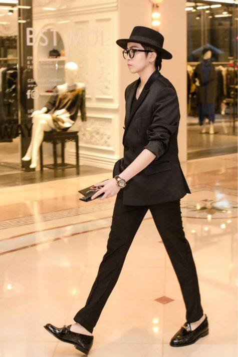 ELLE Style Awards Gil Lê trong suit đen