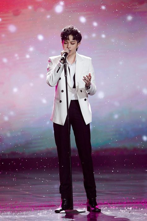 ELLE Style Awards ELLE Man Gil Lê trong suit trắng