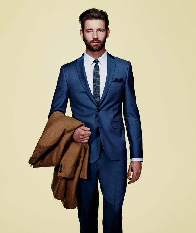 phối quần áo-chàng trai thấp bé mặc suit