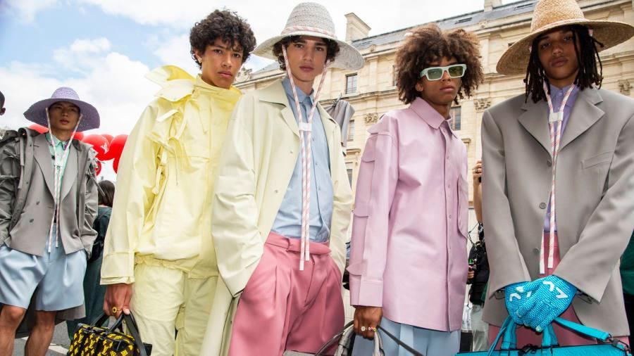 tông màu pastel phủ sóng BST Xuân-Hè của Louis Vuitton