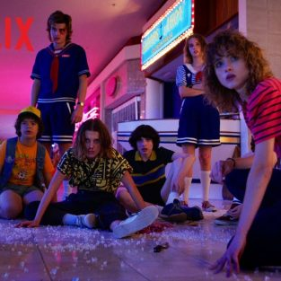 Thời trang phim Stranger things: Hoài niệm của thập niên 80