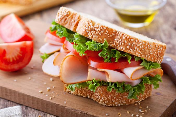 thức ăn nhanh-sandwich thịt gà