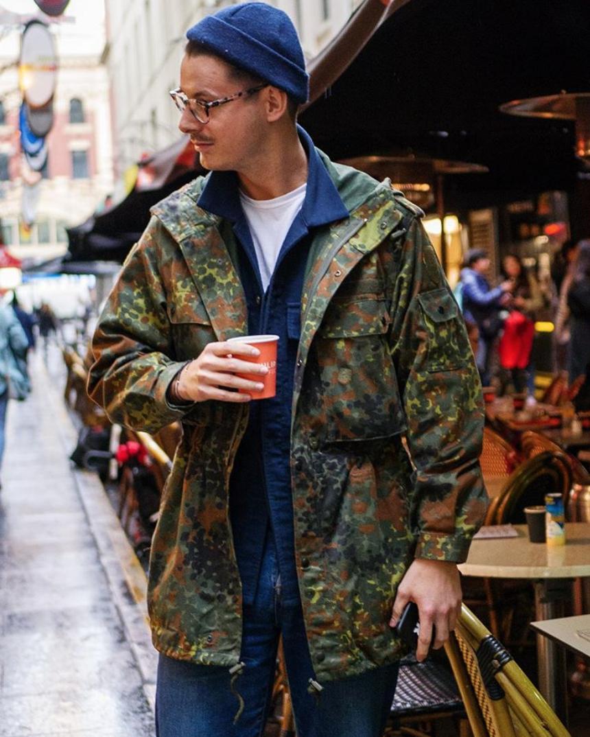 fashionisto mặc thời trang quân đội hoạ tiết camo