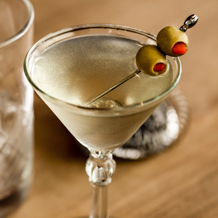 ruou cocktail mua thu - dirty martini - elle man 1