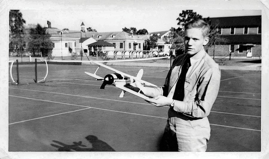 phi hành gia Niel Armstrong còn trẻ