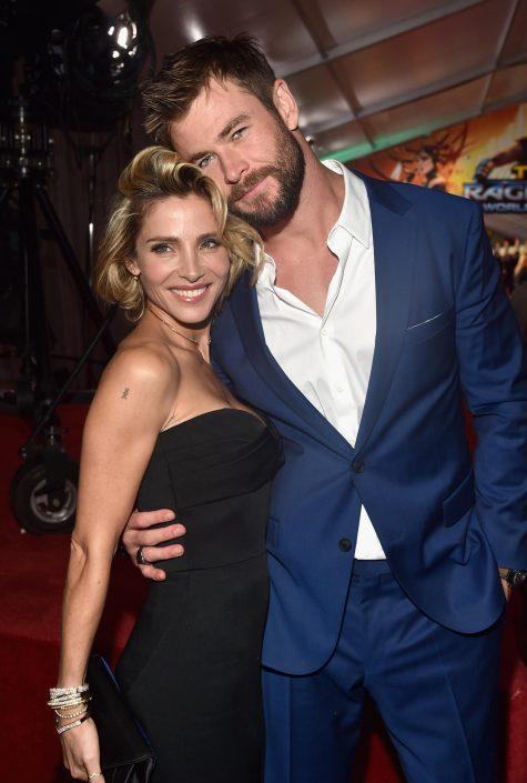 Chris Hemsworth bên cạnh vợ Elsa Pataky