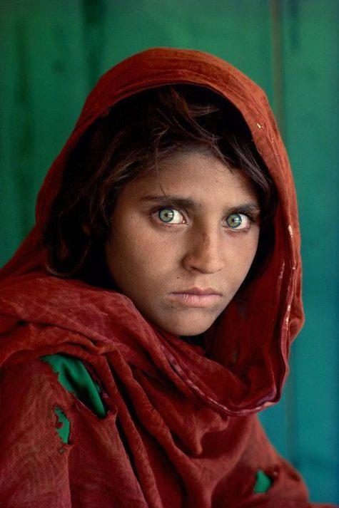 Logo thương hiệu Kodak - bức ảnh cô gái Afghanistan nổi tiếng chụp bởi phim kodakchrome của hãng kodak