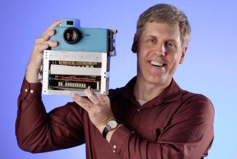 Steven Sasson, cha đẻ của máy ảnh kĩ thuật số logo thương hiệu kodak