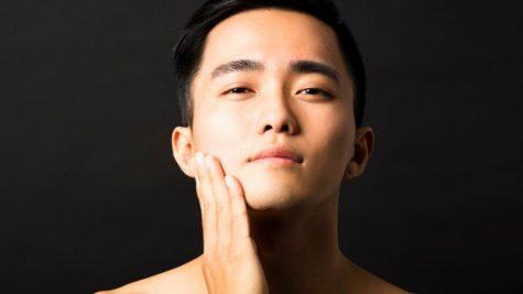 """10 bước dưỡng da """"chuẩn Hàn Quốc"""" dành cho nam"""