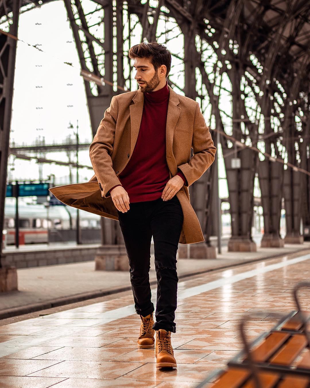 cách phối trang phục với màu nâu đất và đỏ burgundy