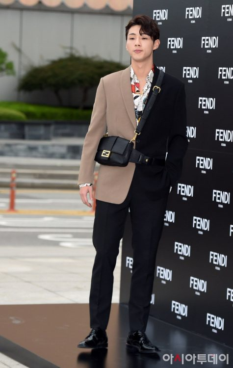 diễn viên Ji Soo - sao mặc đẹp tuần 1_9
