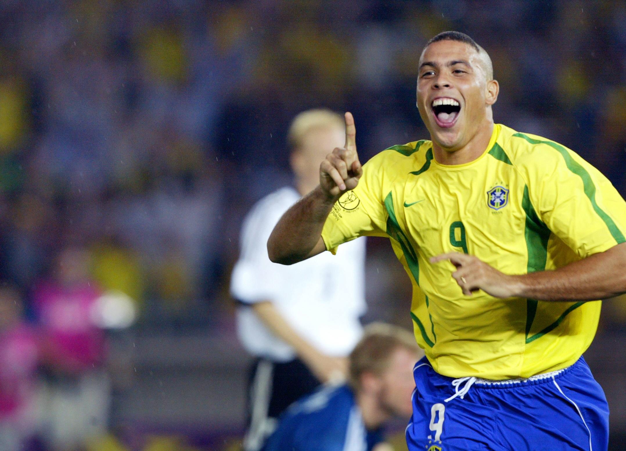 Người-ngoài-hành-tinh-Ronaldo-de-Lima-cung-Xử-Nữ