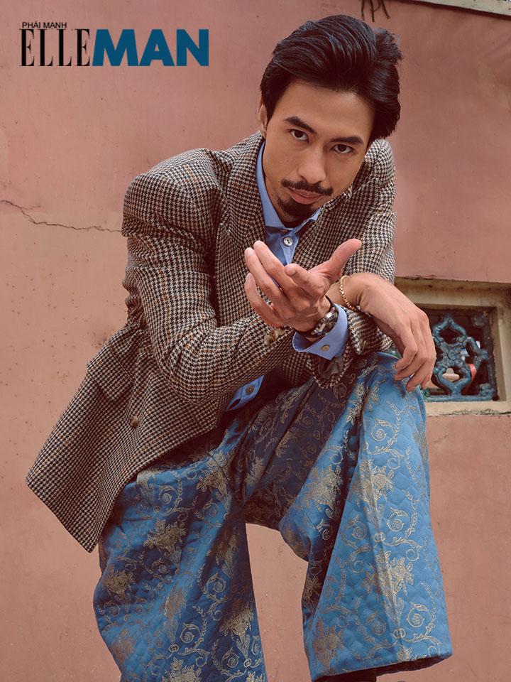 rapper Den Vau mac suit jacket ca-ro va quan hoa xanh chi ve phia man hinh - elle man