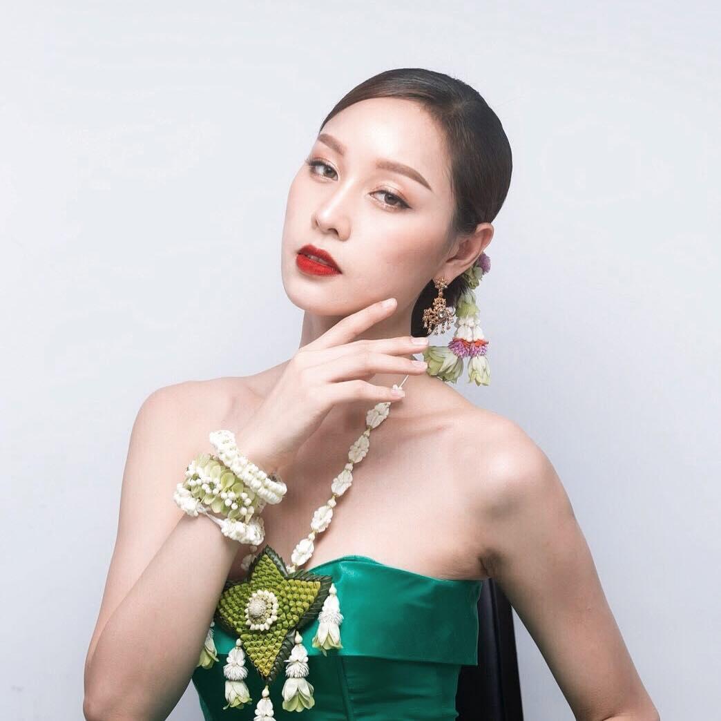 mỹ nhân chuyển giới - blossom trong bộ trang phục truyền thống