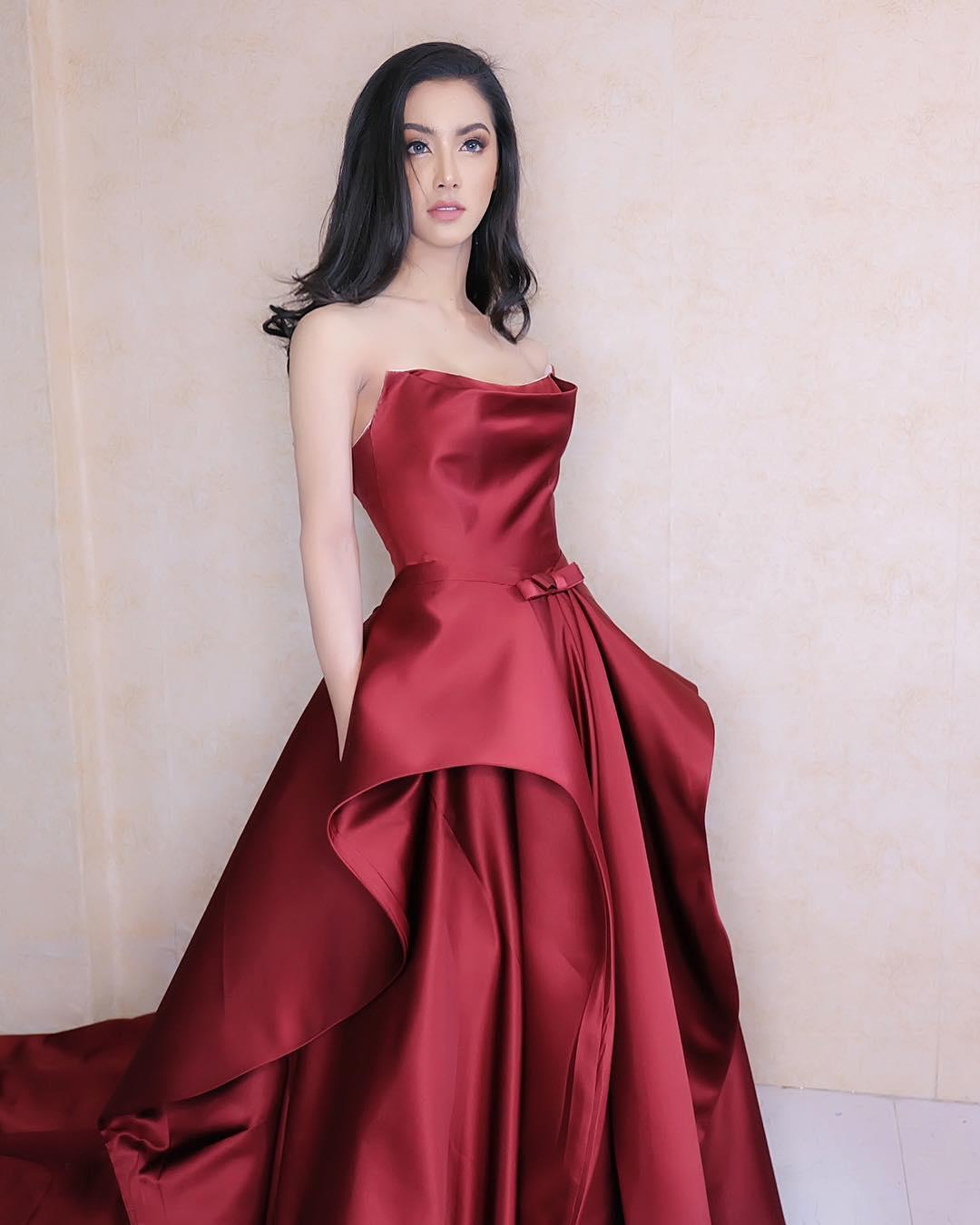 mỹ nhân chuyển giới - nadia diện váy đỏ