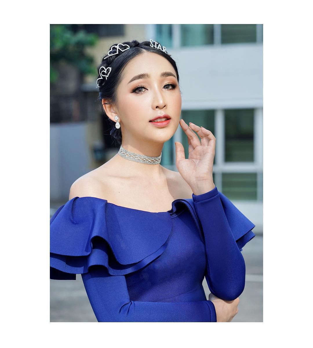 mỹ nhân chuyển giới - rose diện váy xanh navy