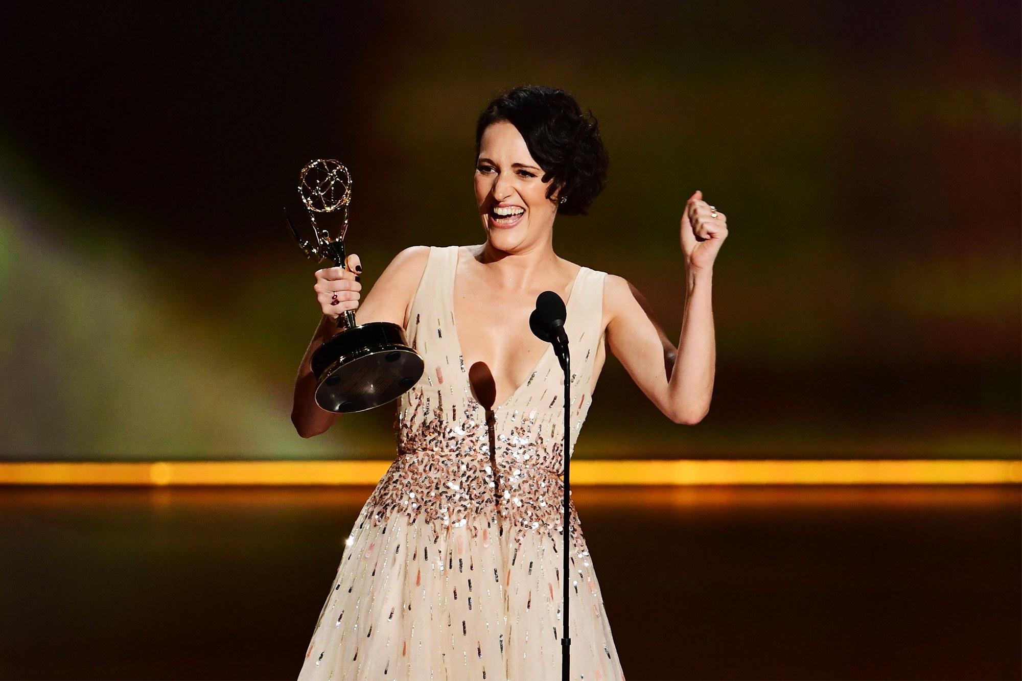 nữ diễn viên sáng giá nhận giải thưởng - lễ trao giải - 2019 - elle man