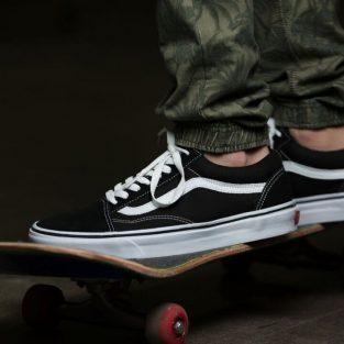 9 mẫu giày Vans Old Skool kinh điển mà mọi chàng trai nên sở hữu