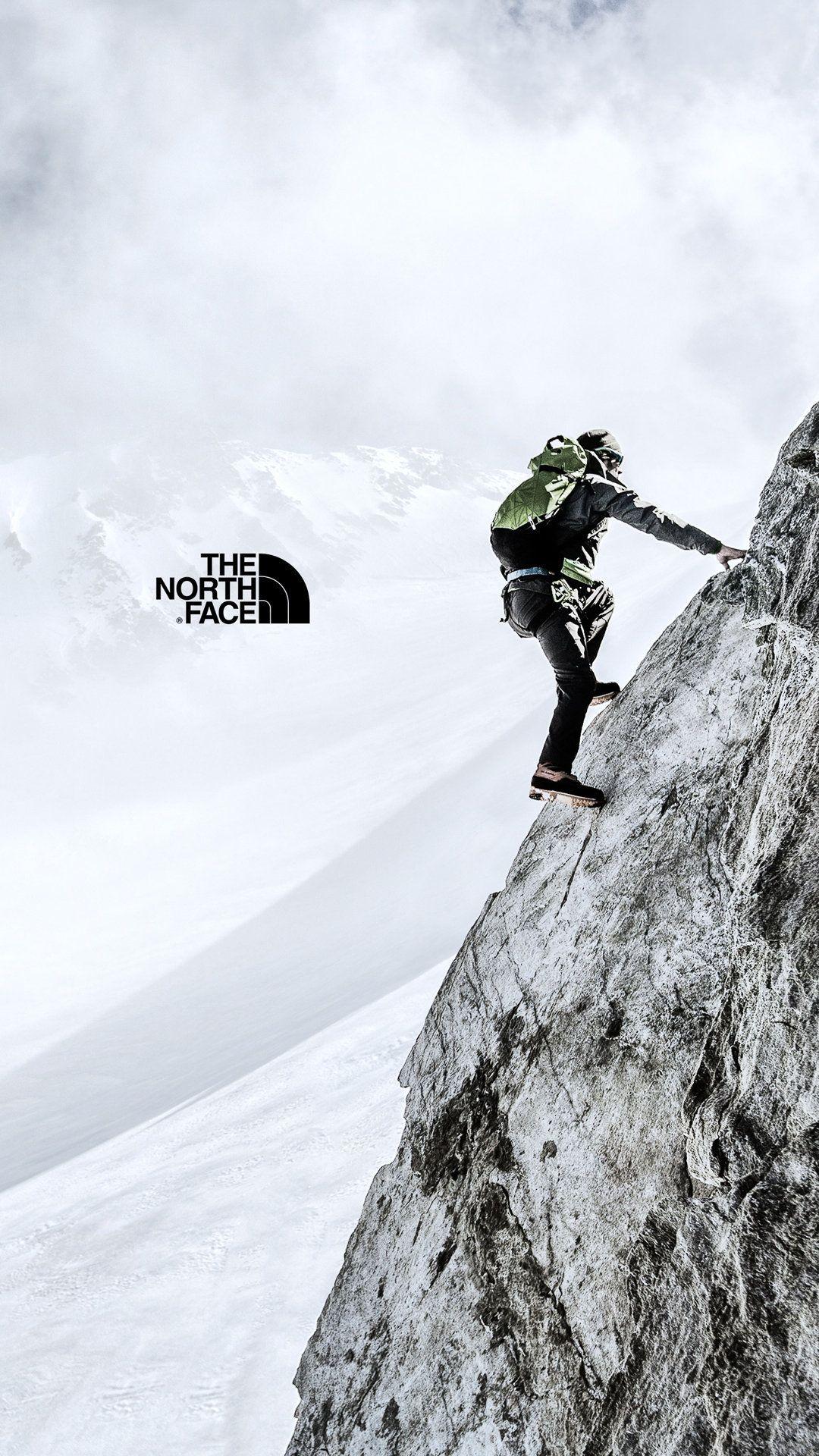 logo thương hiệu the north face nhà thám hiểm lao núi