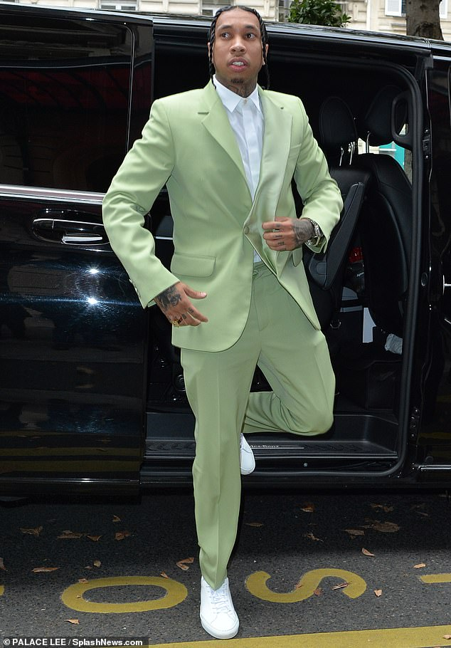 rapper Tyga - sao nam mặc đẹp tuần cuối tháng 9