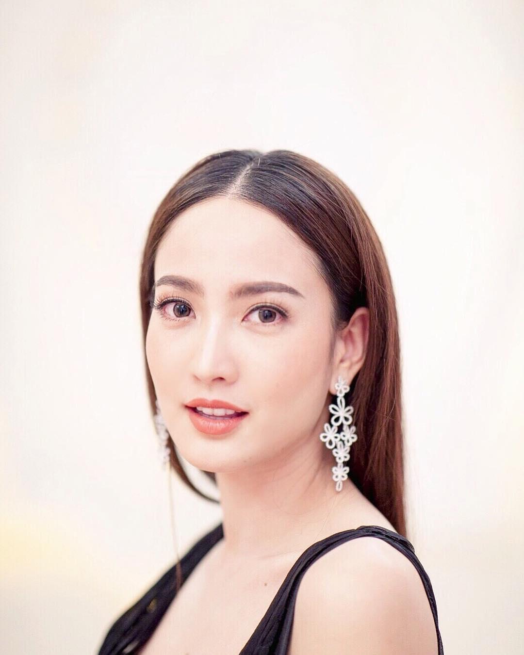 diễn viên thái - gương mặt xinh đẹp của taew