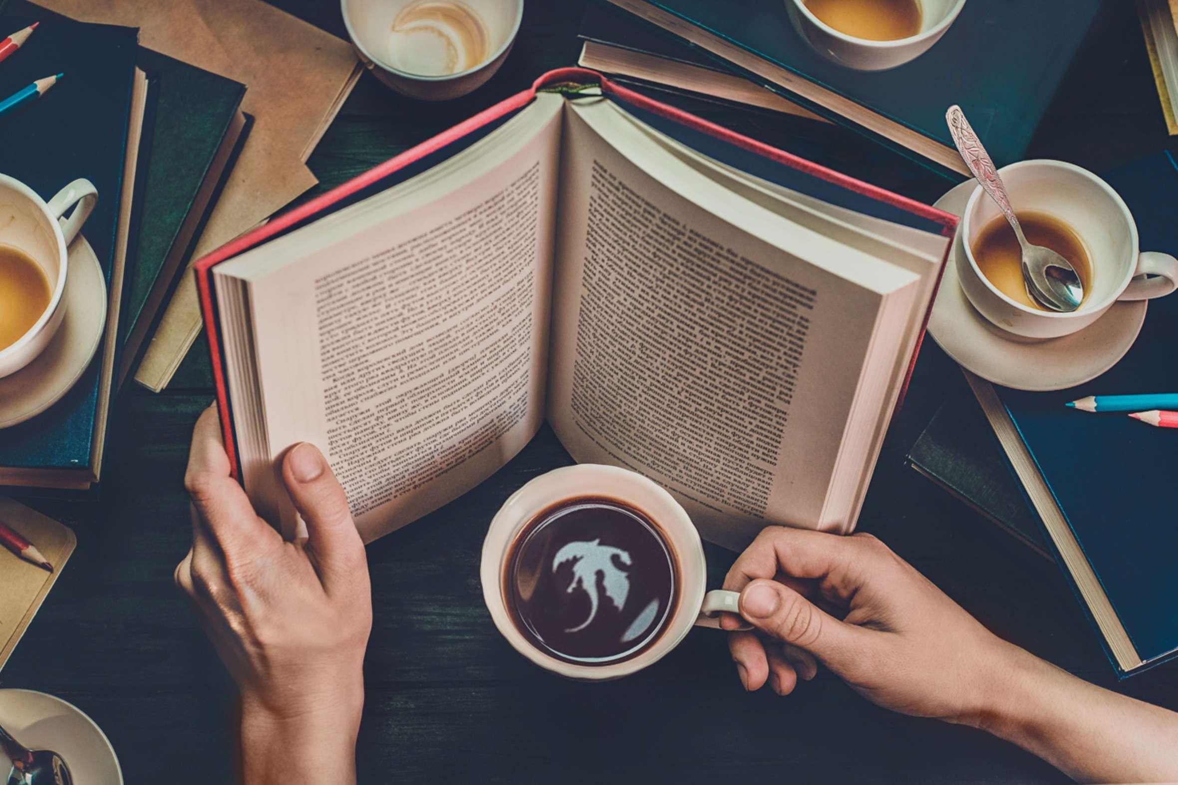 cuộc sống hạnh phúc - sách và coffee - elle man