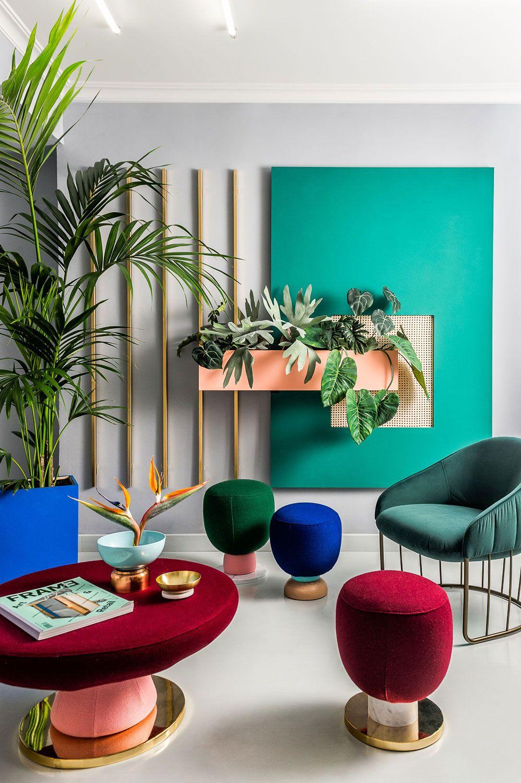 Phong cách nội thất Memphis chủ đạo được nhấn nhá kết hợp với thiết kế đương đại có âm hương phong cách color block tạo sự mới mẻ