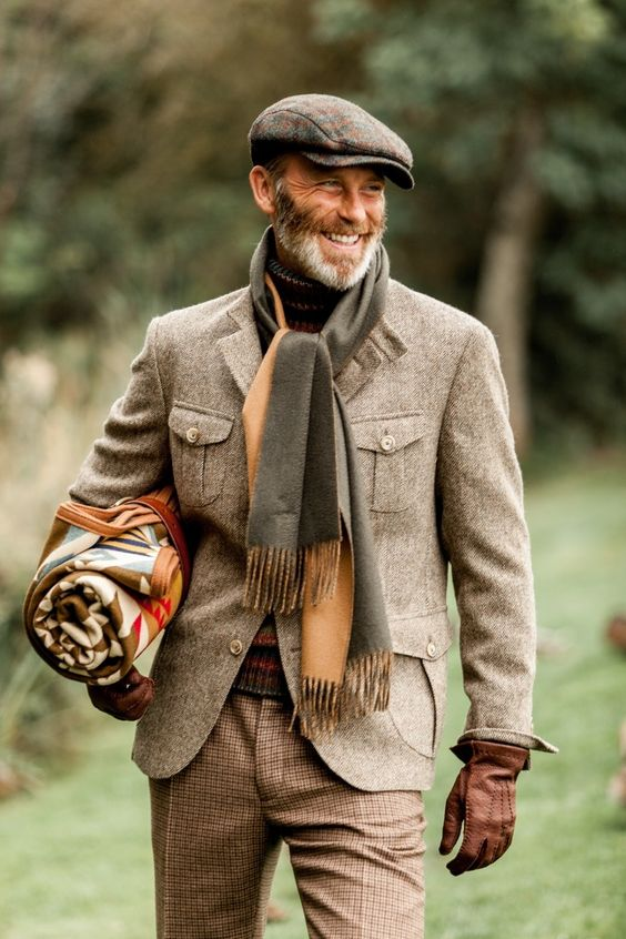 cách phối vải tweed dành cho nam màu nâu và khăn quàng