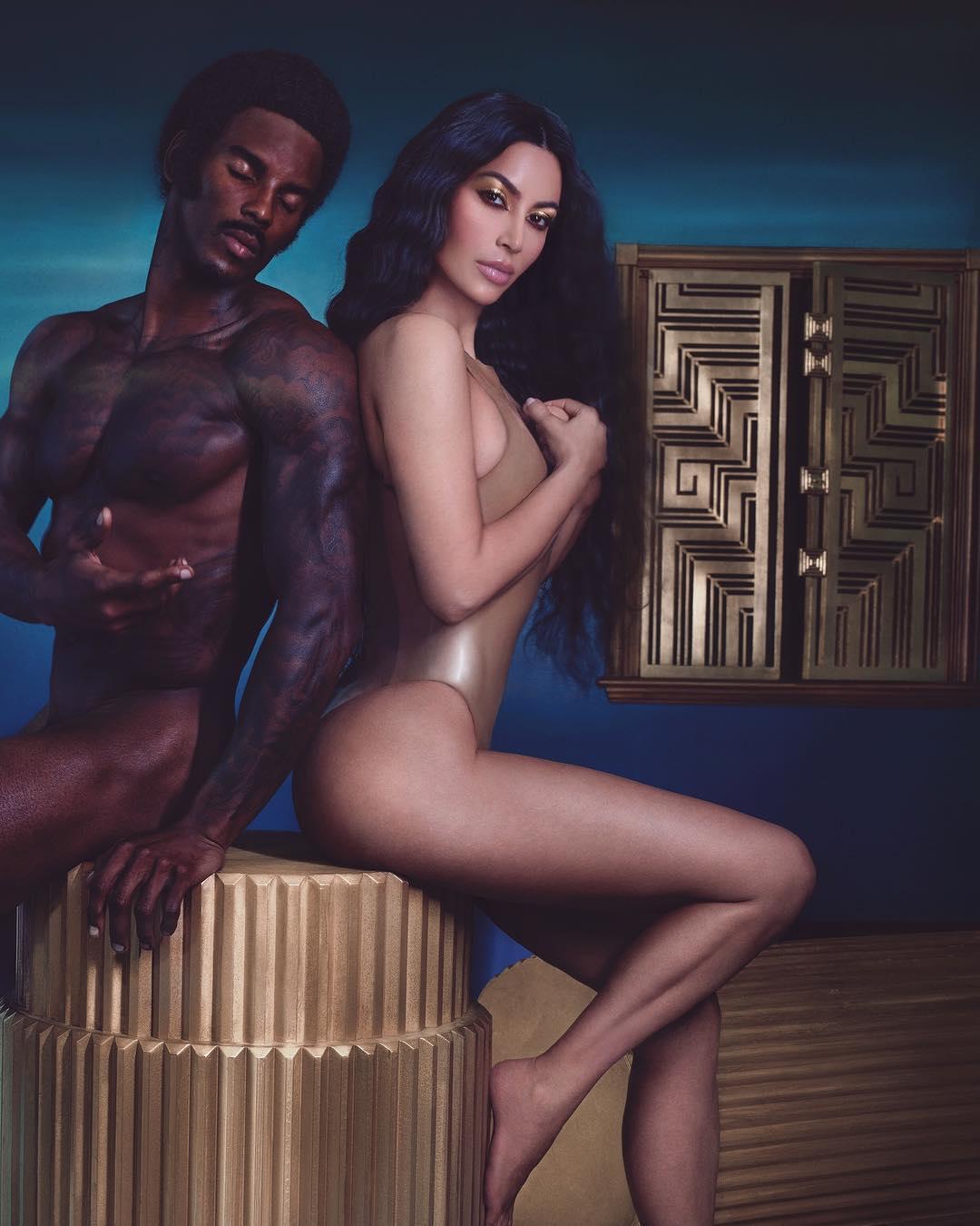 Kim Kardashian - người nổi tiếng cung thiên bình