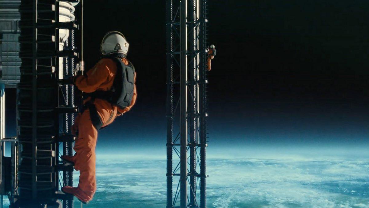 review phim Ad Astra - 2 phi hanh gia ngoai vu tru - elle man