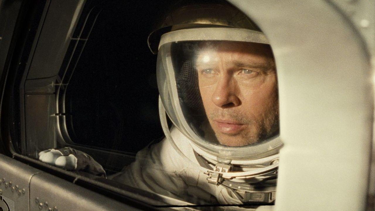 Review phim Ad Astra: Brad Pitt và màn trình diễn cô độc giữa không gian |  ELLE Man Việt Nam