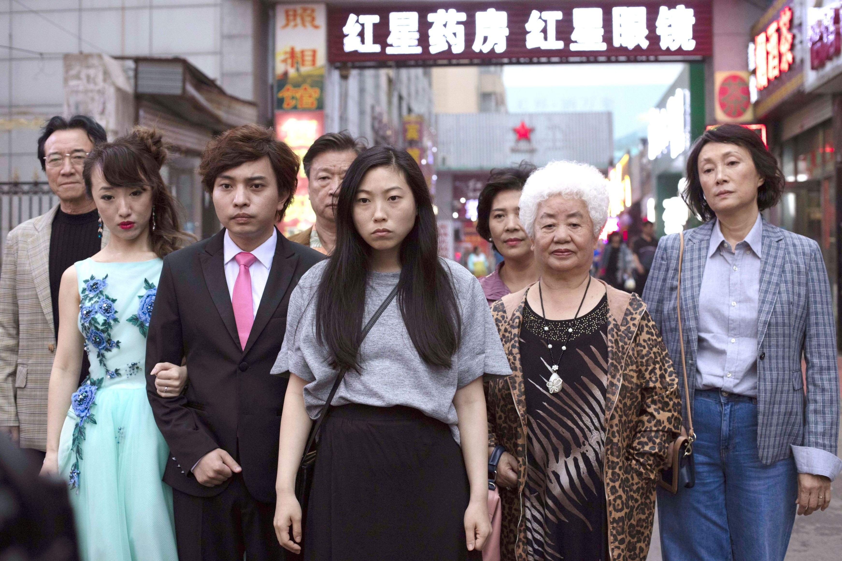 review phim the farewell - elle man 3