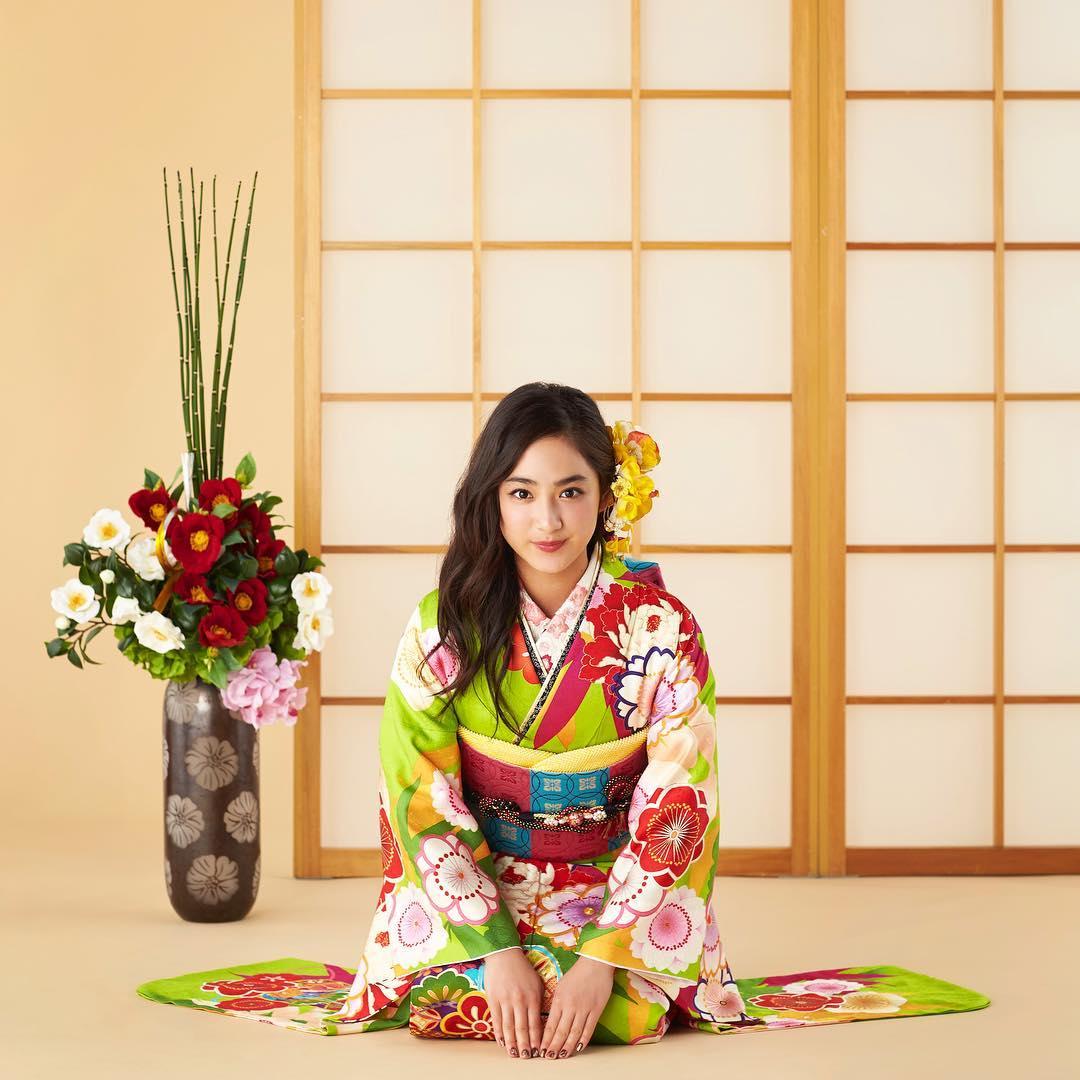 diễn viên nhật - yuna mặc kimono