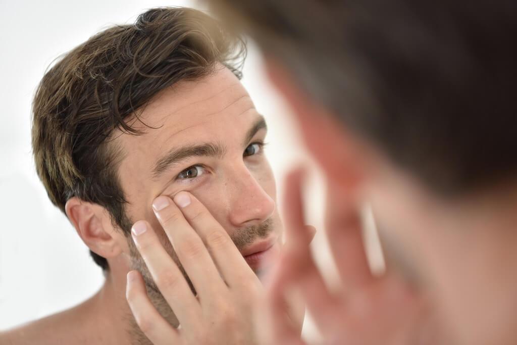 kem dưỡng mắt cho nam
