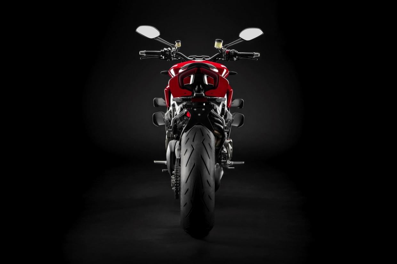 mặt sau chiếc xe Ducati Streetfighter V4