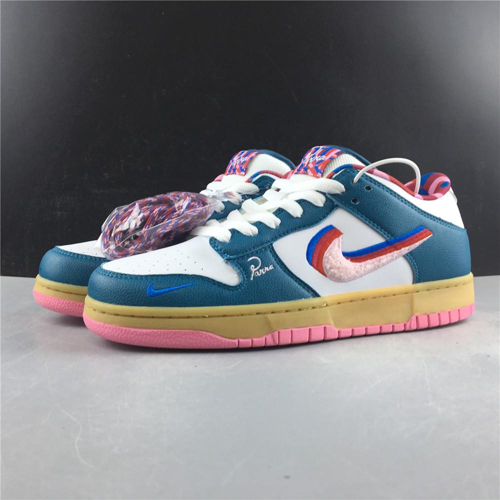 "Đôi giày thể thao Parra x Nike SB Dunk Low ""Friends And Family"""