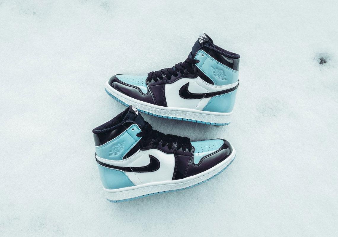 """Đôi giày thể thao Nike Air Jordan 1 """"Patent UNC"""""""