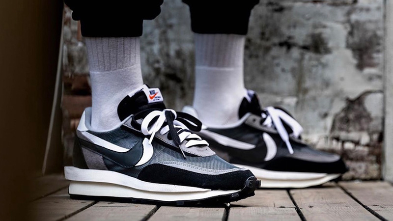Đôi giày sacai x Nike LDV waffle black white